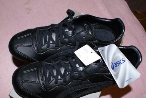 2f6ec74b16d1 Кроссовки asics новые, 36 размер, женские кроссовки nike roshe run черные с  белым, Санкт-Петербург, объявление с фото № 168348