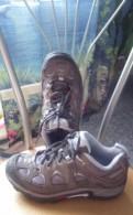 Обувь на каблуке под джинсы, кроссовки новые