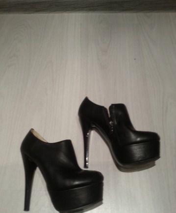 Новые кожаные туфли на платформе, туфли лодочки оптом