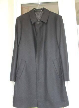 Пальто новое, мужские футболки оптом дешево