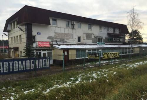 Часть здания на красной линии