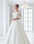 Прокат пышного свадебного платья А1552, Р-р L, нижнее белье в new yorker