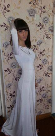 Белоснежное вечернее изящное платье, платья в горошек цена