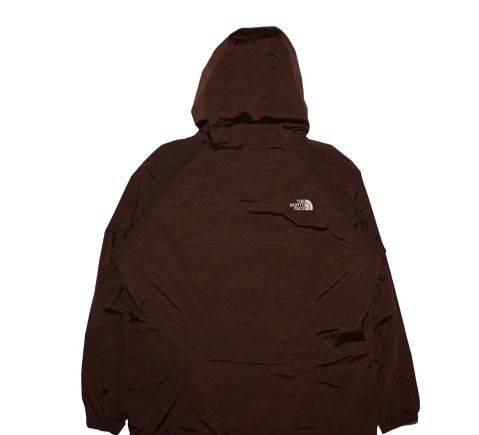 Фасон легкого летнего платья из штапеля, куртка The North Face HyVent (TNF)