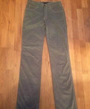Фасон платья кому, джинсы Armani, вельветовые