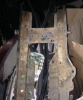 Гайка фланца редуктора заднего моста, подставка под аккумулятор Форд mondeo 1-2 1.8