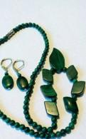 Серьги и ожерелье из малахита