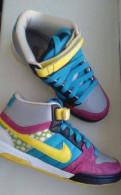 """Кроссовки """"Nike"""", испанские бренды одежды и обуви"""