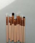 Кисточки для макияжа глаз