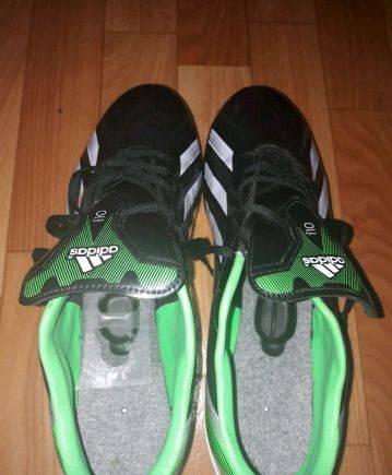 Бутсы adidas F10, сабо мужские inblu