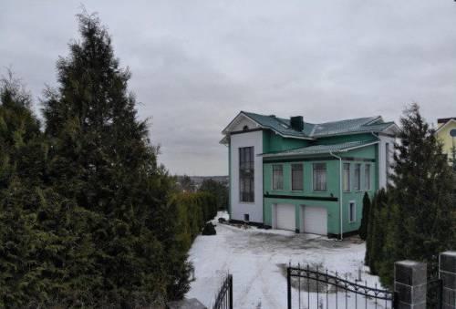 Дом 476 м² на участке 16 сот