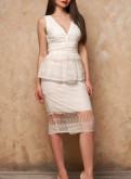 Черное платье на толстых бретельках, продам белое платье по колено, Русско-Высоцкое