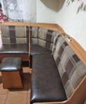 Уголок кухонный и два стула
