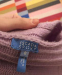 Платье с рукавами клеш, свитер Escada Sport, Приморск