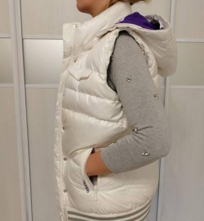 Платья с воланом внизу из гипюра, безрукавка Adidas