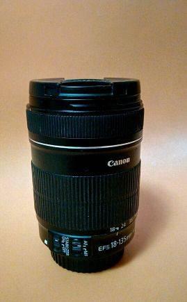 Canon 18-135mm efs 3.5-5. 6 is macro