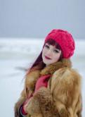 Макси утепленное платье с капюшоном от производителя, шуба из лисы