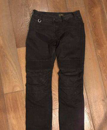 Кевларовые штаны с зашитой spidi denim jeans, футболка thrasher flame