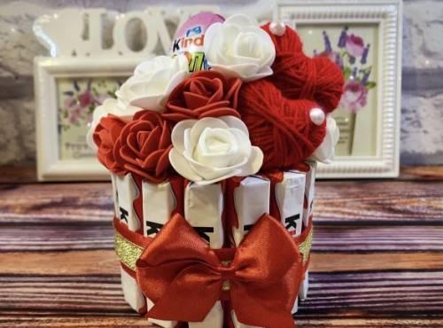 Подарок 8 марта девушке женщине