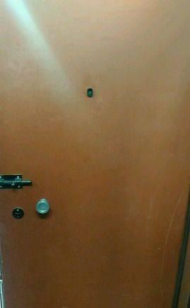 Дверь бу стальная входная