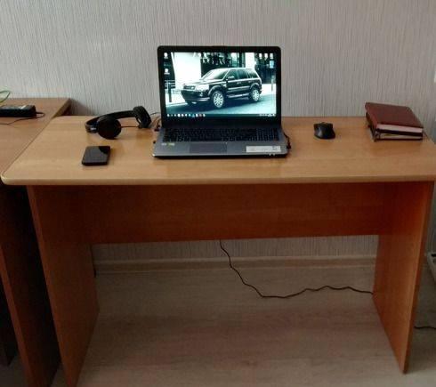 Стол письменный 1, 2 м