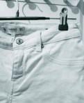 Белые джинсы от Mango, платье свитер и фатин