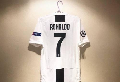 Футболка Ювентус Роналдо 7 Лига Чемпионов adidas, толстовка на меху с капюшоном