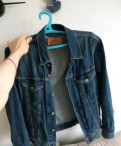 Куртка джинсовая Levi's, рубашки утепленные с капюшоном