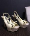 Босоножки «Guess» среднем состоянии, женские туфли на толстом каблуке купить