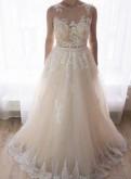 Свадебное платье, женская куртка цвета