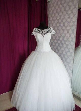 Свадебное платье, красивые халаты мужские