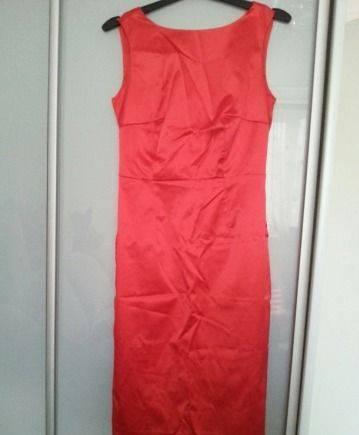 Платье-футляр красное атлас, стильный магазин одежды для мужчин
