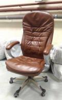 Компьютерное кресло руководителя