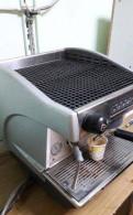 Кофеварка рожковая Reneka Viva 1