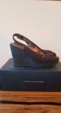 Бренды хорошей обуви, босоножки Tommy Hilfiger