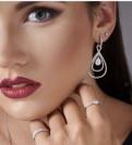 Шикарное кольцо 750 пробы с бриллиантами