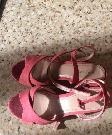Женская обувь зимняя купить, босоножки Mango и Stradivarius