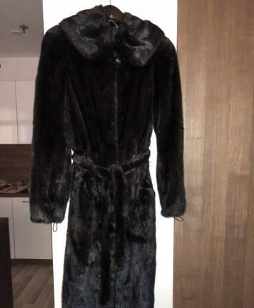Шуба норковая, кружевные платья от натальи якименко