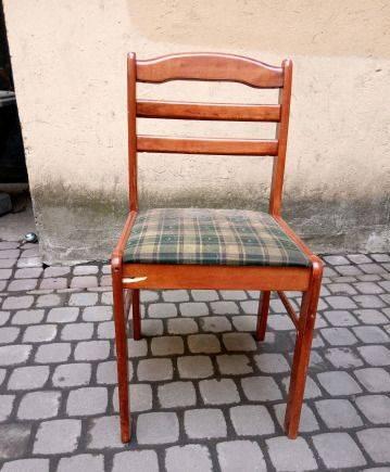 Прекрасный стул
