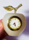 Сувенирные часы из камня