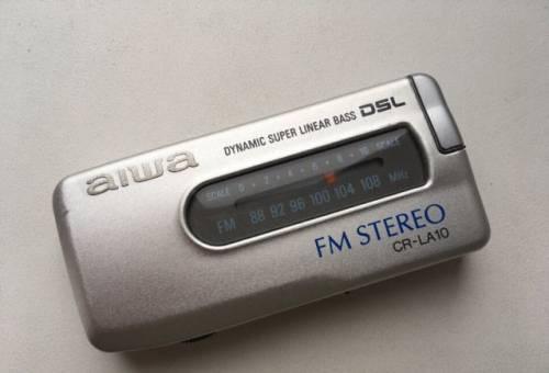 Редкий портативный радиоприемник aiwa CR-LA10