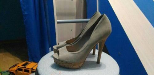 Купить кроссовки баленсиага triple s женские, туфли