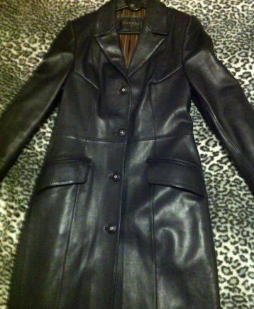 Пальто из натуральной кожи (импорт), меховые жилетки из чернобурки