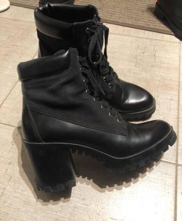 Ботинки Zara на тракторной подошве, обувь на каблуке 2018