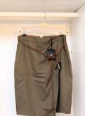 Ассортимент одежды в магазине остин, massimo Dutti