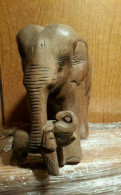 Фигурка из дерева /Слониха со слонёнком