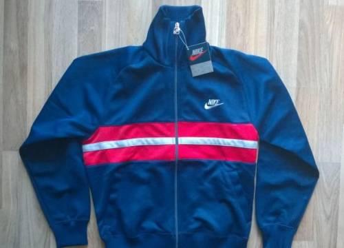 Купить футболку levis женскую недорого, олимпийка Nike найк новая S